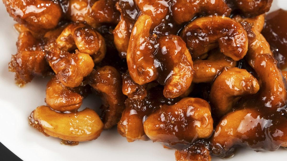 Caramelized cashews